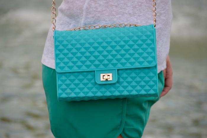 Look_Outfit_Verano_Sandalias_Glitter_Lovelypepa_Bolso_Silicona_Nudelolablog_04