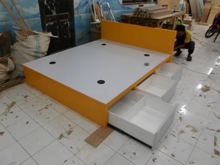 Tempat TIdur (Dipan) Laci untuk Ruangan kamar Sempit - Furniture Semarang