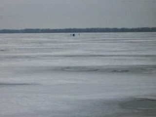 Ice_Fishermen_Erie_PA_January_2014_by_Linda_Bolla