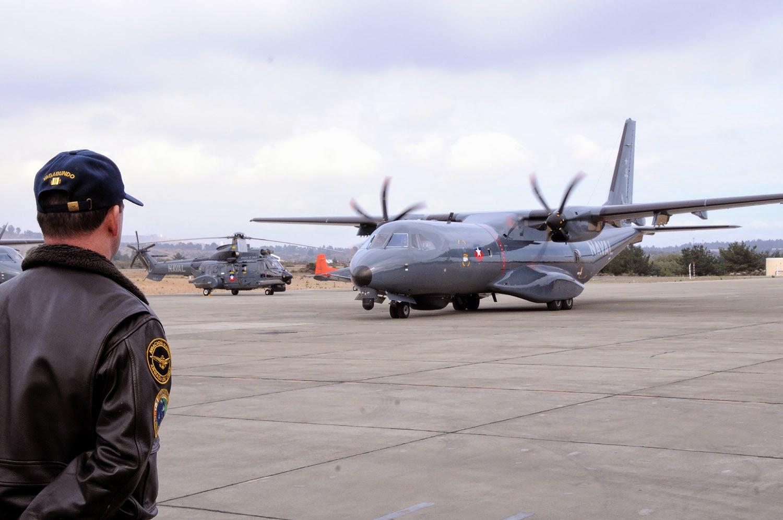 http://www.infodefensa.com/latam/2015/02/27/noticia-armada-chile-licita-compra-equipo-vuelo-aviacion-naval.html
