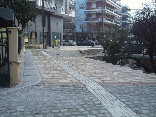 Πεζοδρόμια και δρόμοι έγιναν ένα και το αυτό