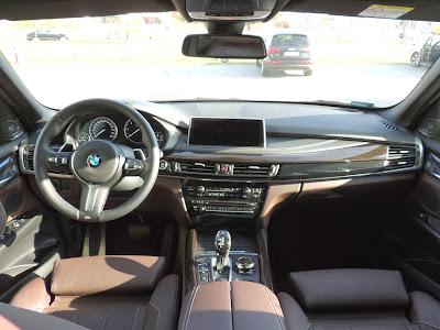 BMW X5 M50d - wnętrze