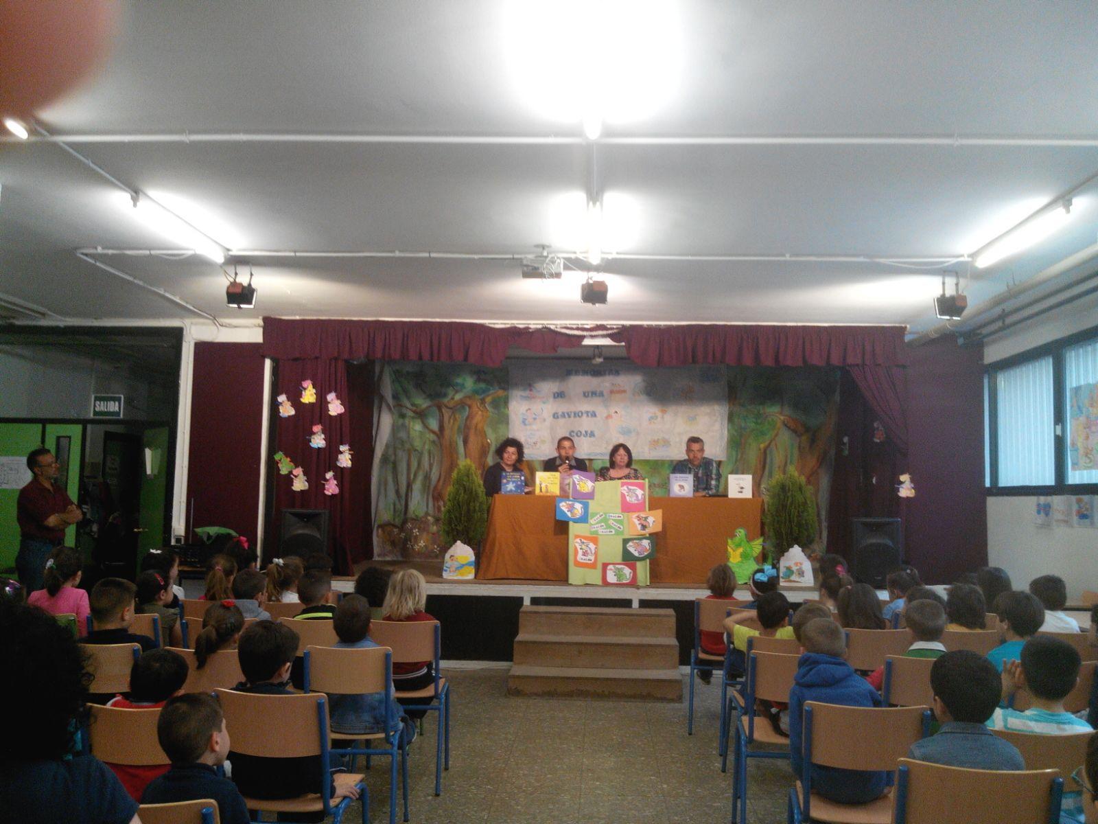 En en colegio Hernán Ruíz