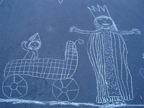 driveway art : Chalk Queen and baby