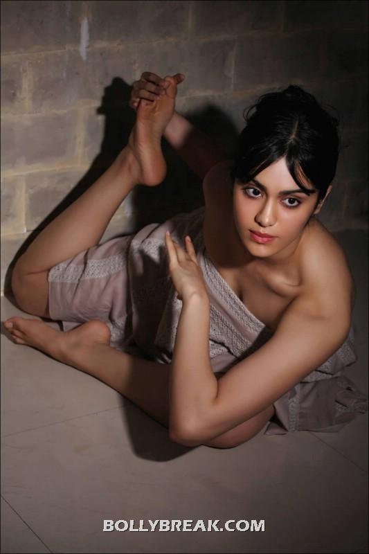 Adah sharma in yoga pose. - Adah Sharma Yoga photos