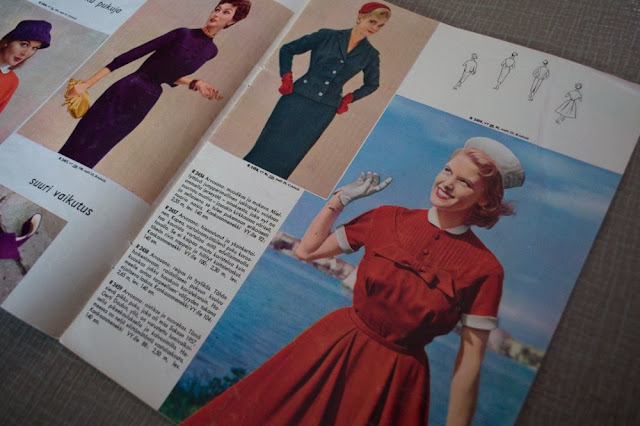 50s fashion magazine
