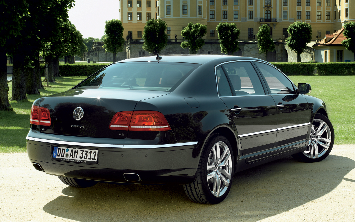 automotive database volkswagen phaeton. Black Bedroom Furniture Sets. Home Design Ideas