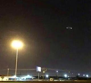 Χιούστον, έχουμε πρόβλημα; Εμφάνιση UFO πάνω από το Τέξας