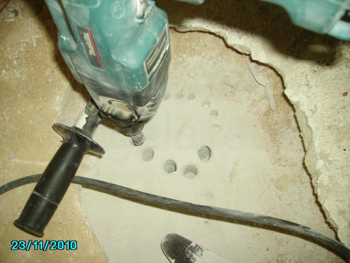 C mo hacer un agujero en hormig n para tubo de inodoro de - Agujero en la pared ...