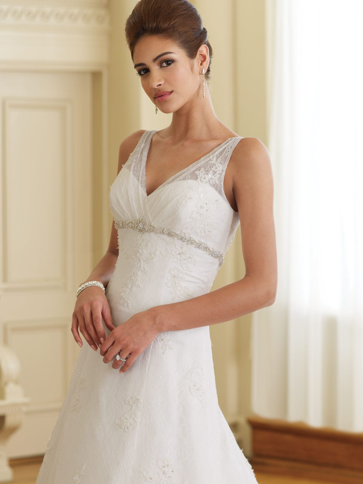 I Am A Woman In Love Beauty Style Wedding Dresses For Short Women
