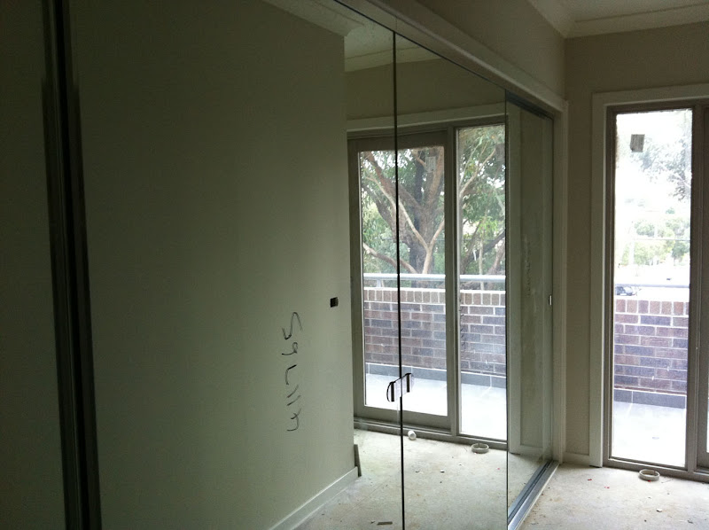 Frameless Sliding Glass Door