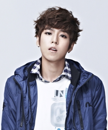 Hyun Woo