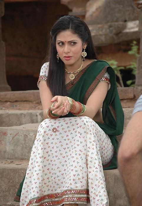 sada in saree latest photos
