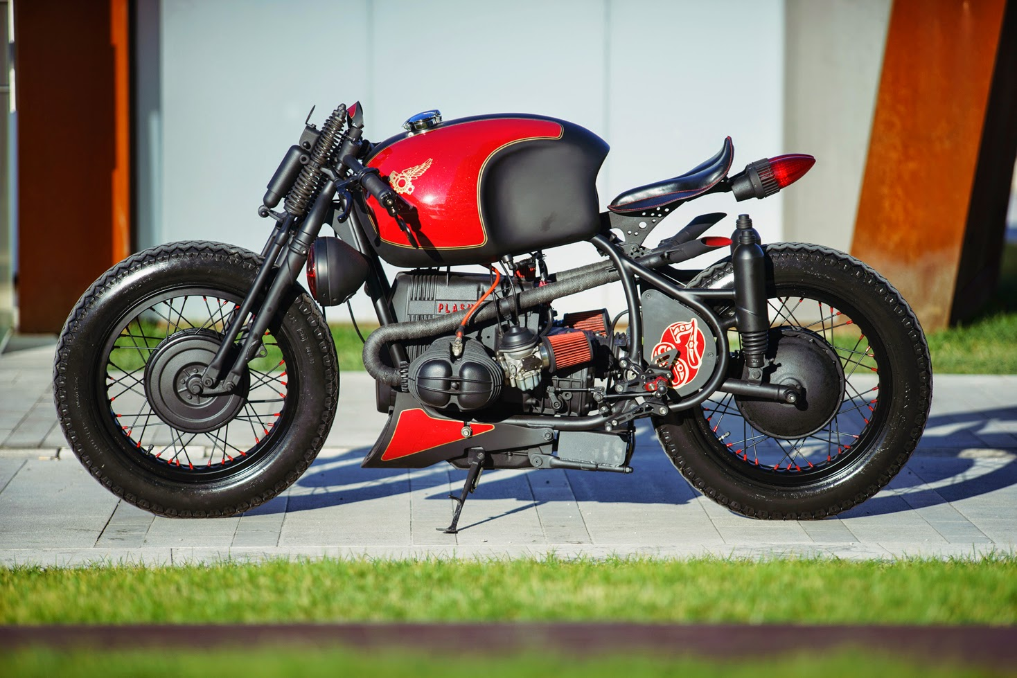 Connu Plasma Customs BMW R65 ~ Return of the Cafe Racers AH87