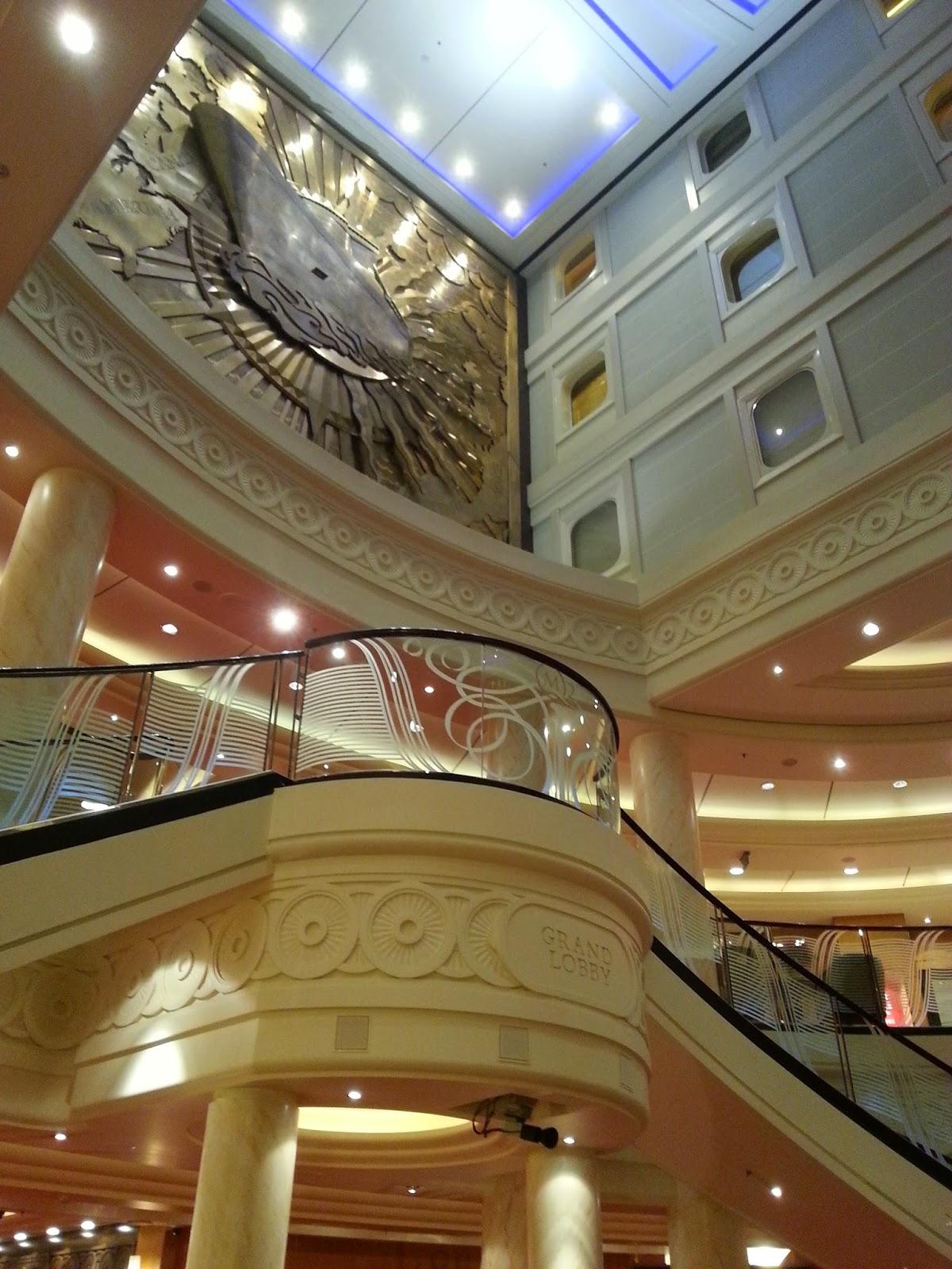 Queen Mary 2 (QM2) - Grand Lobby