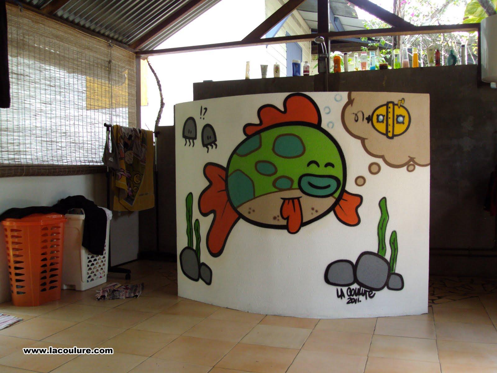 Collectif la coulure graffiti lyon graff poisson salle for Poisson d argent salle de bain
