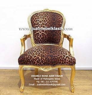 Supplier Indonesia Classic Furniture Supplier wooden arm chair Mahogany Supplier Jepara Classic Furniture Supplier Gold painted chair