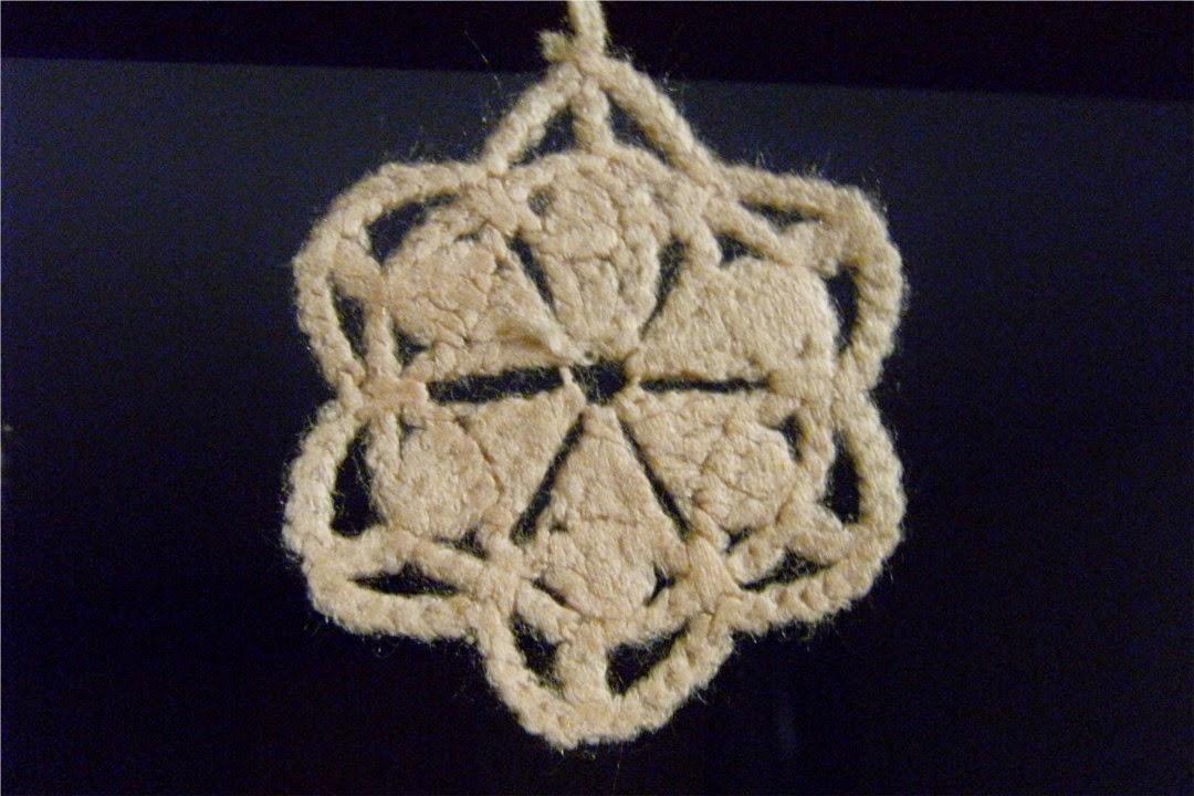 Estrella blanca de ganchillo o crochet árbol de navidad