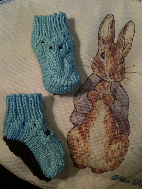 hootie+booties+ladygreyy Knifty Knitter Pom Pom Maker (Optional) Baby Booties Pattern