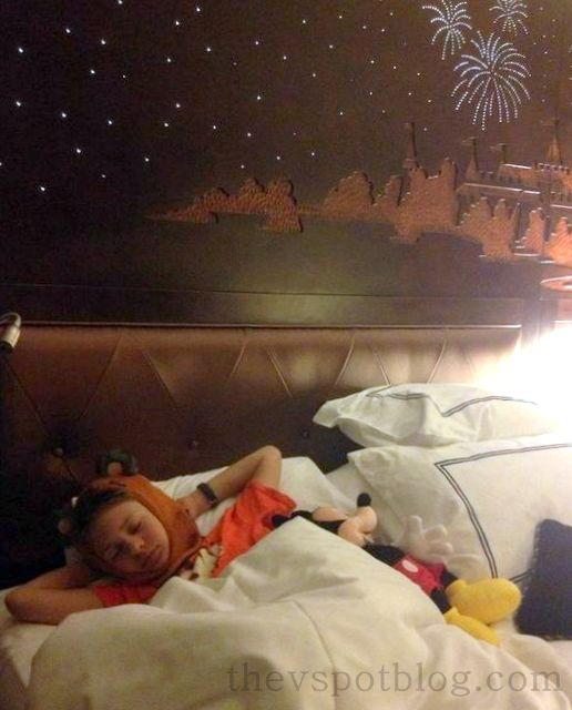 hotel, bedding, mickey mouse, disneyland, ewok, star wars, beanie, hat