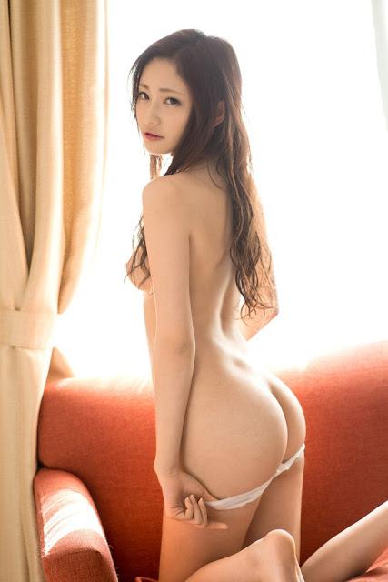 Momotani Erika 桃谷エリカ Photos 06