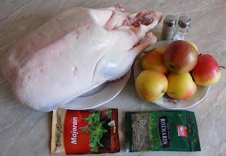 ingrediente friptura de gasca la cuptor umpluta cu mere, retete culinare, retete de mancare, cum se face friptura de gasca, retete cu carne de gasca, preparate din carne de gasca,