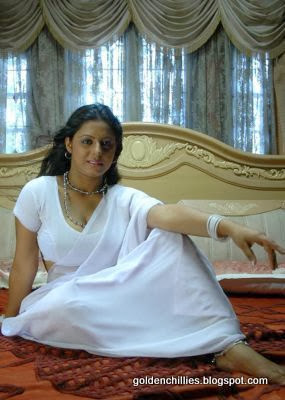 hot saree actress images