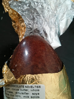 unwrapping egg