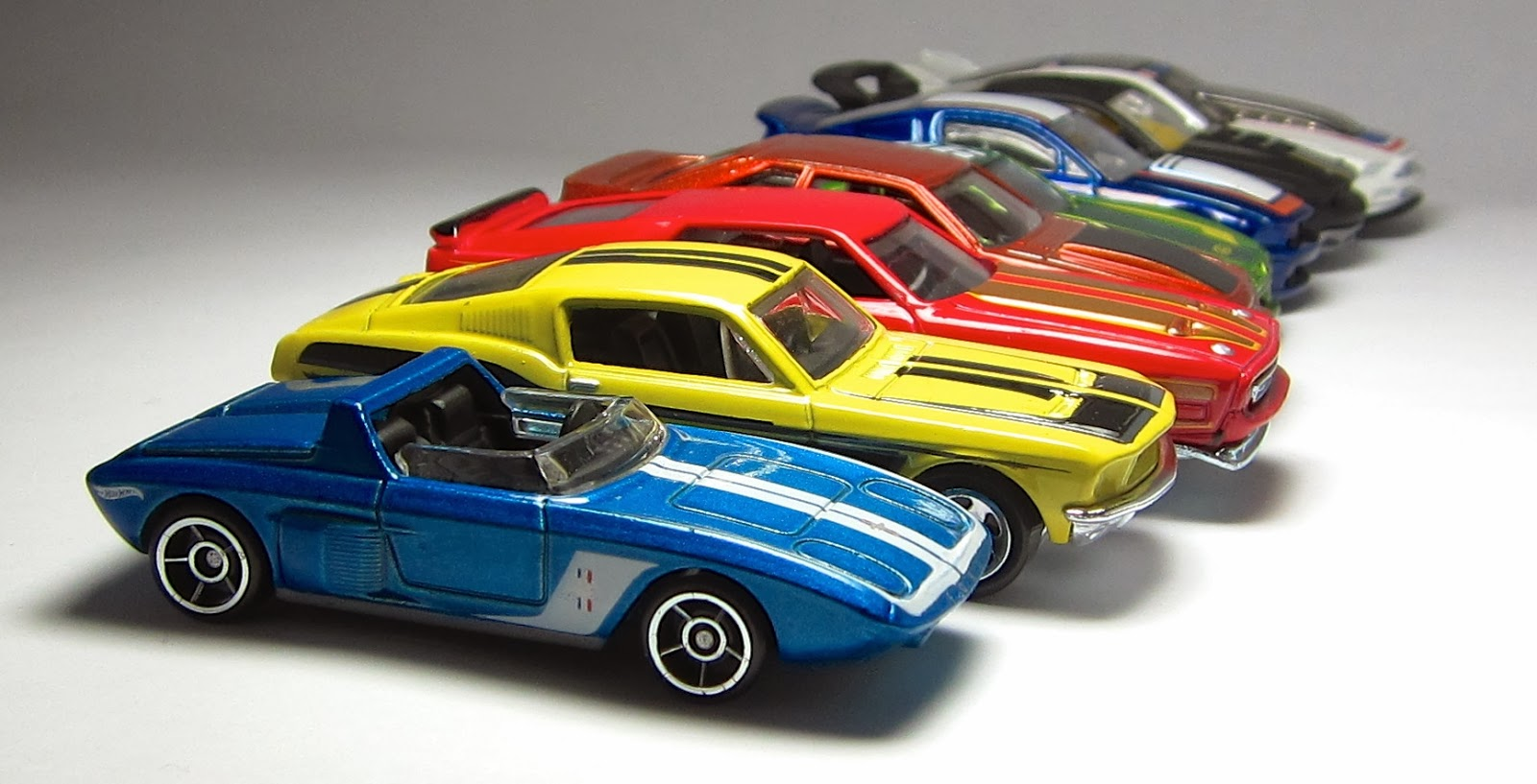 First Look: Hot Wheels Ford Mustang 50th Anniversary Set, Part 1