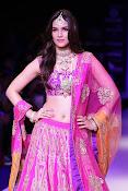 Kriti Sanon latest glamorous raml walk-thumbnail-4