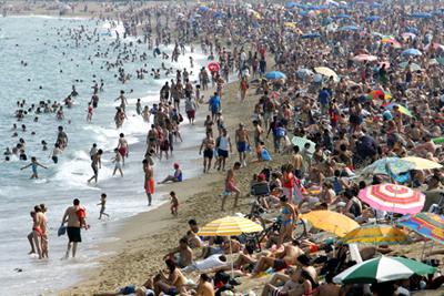 Le tourisme de masse destructeur et peu avantageux partir venir - Office de tourisme de barcelone en france ...