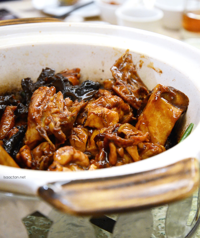Stewed Kampung Chicken with Chinese Wine