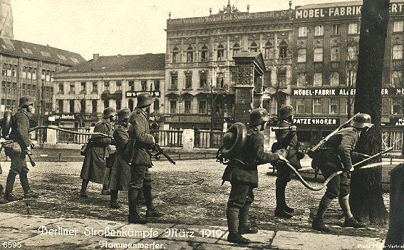 Pasukan Freikorps berusaha merebut Markas polisi  (Polizeipräsidium) (Maret 1919)