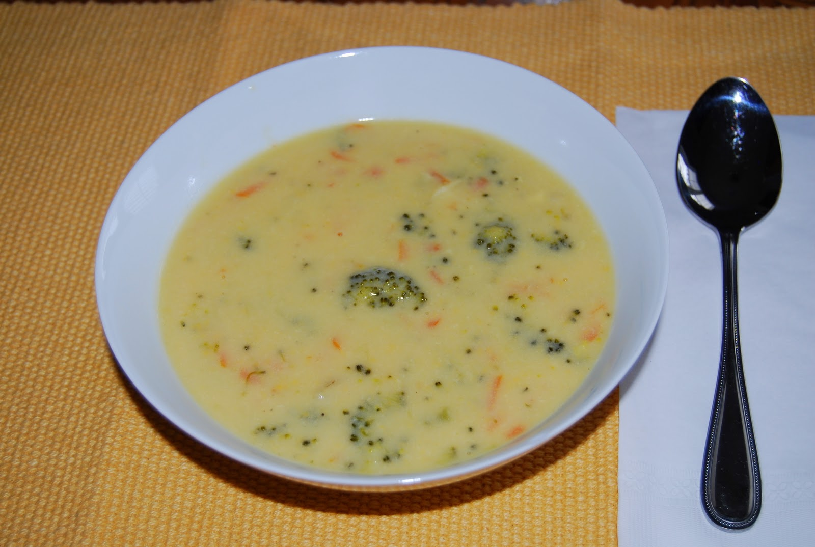 With Love from the Kitchen : Easy, Cheesy Broccoli Soup!