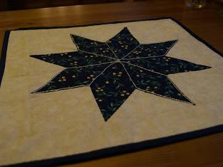 Karácsonyi csillag patchwork asztalközép