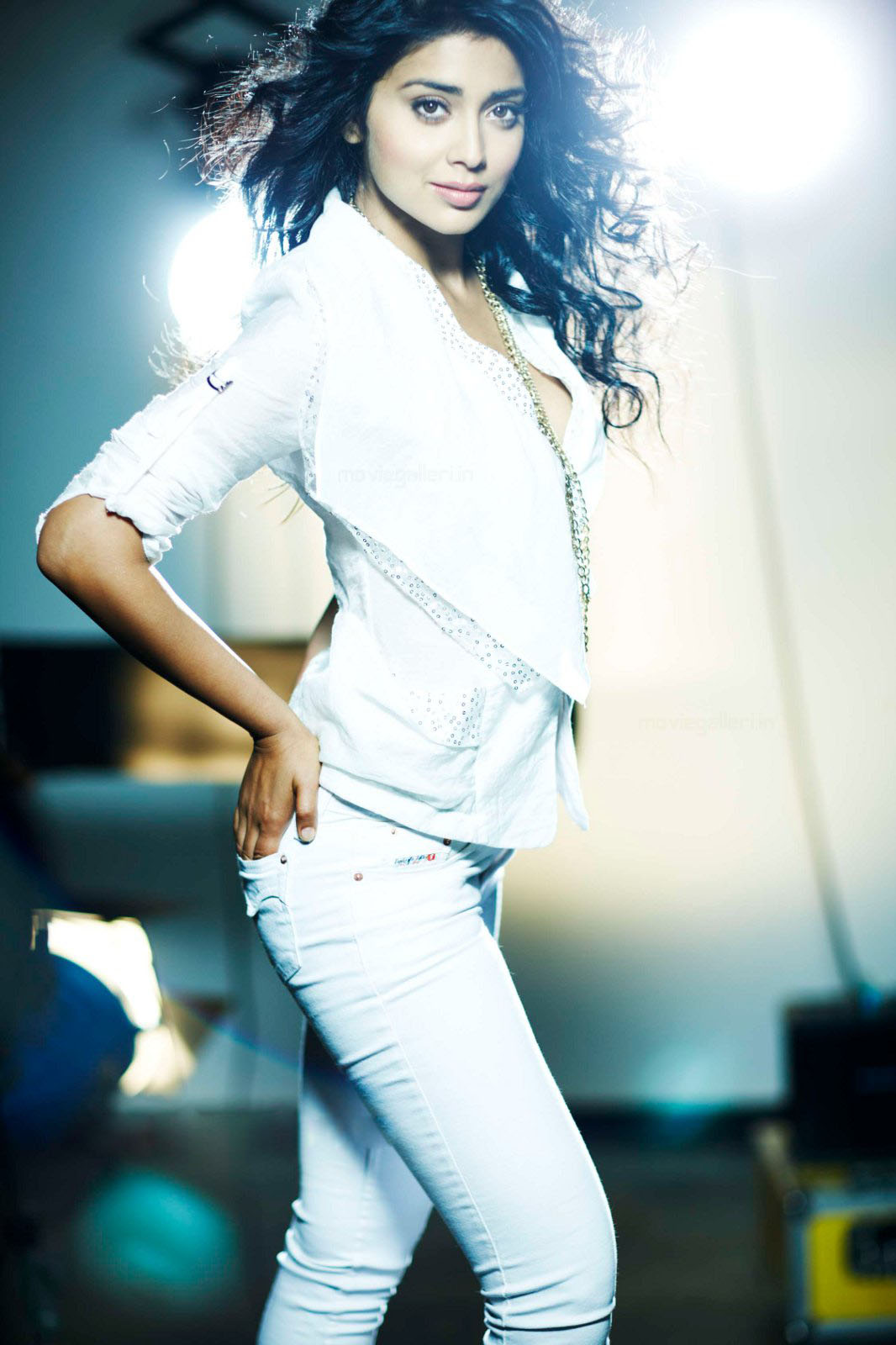 Shriya Saran in White Jeans 7 Top1 - Shriya Saran Hot Photoshoot in White Tops & Jeans