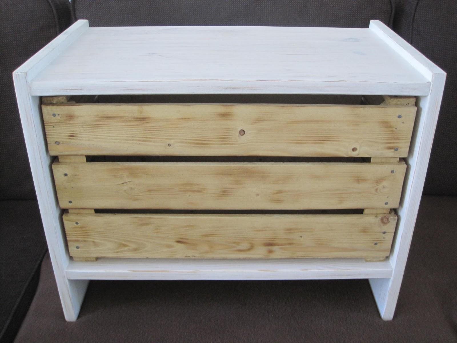 Kat Design Table de chevet patinée avec caisseà pommes sur mesure # Table De Chevet Caisse En Bois