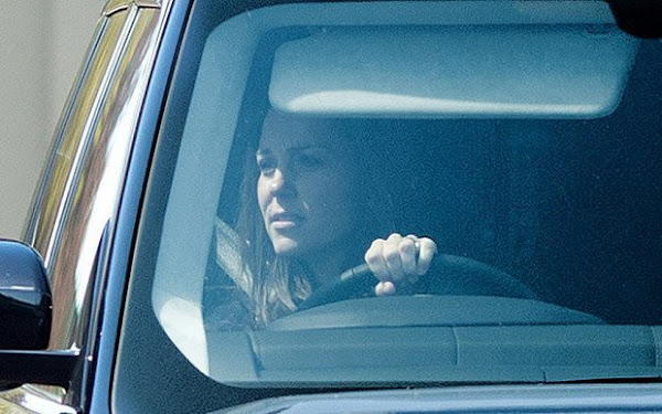 Catherine Duchess Of Cambridge Leaves Buckingham Palace Earlier Today Newmyroyals Hollywood
