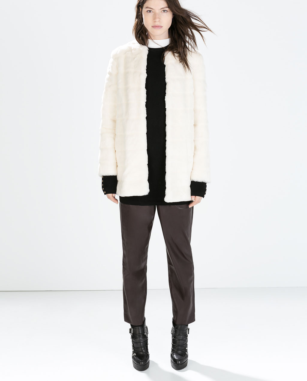 x Second-hand Zara coats for women MY SELECTION item(s) Create an alert. Don't miss that special item! Create a personalised alert to keep up to date with products matching your requirements when they come online. Close. Women's clothes size ZARA. Faux fur coat. Size: M International.
