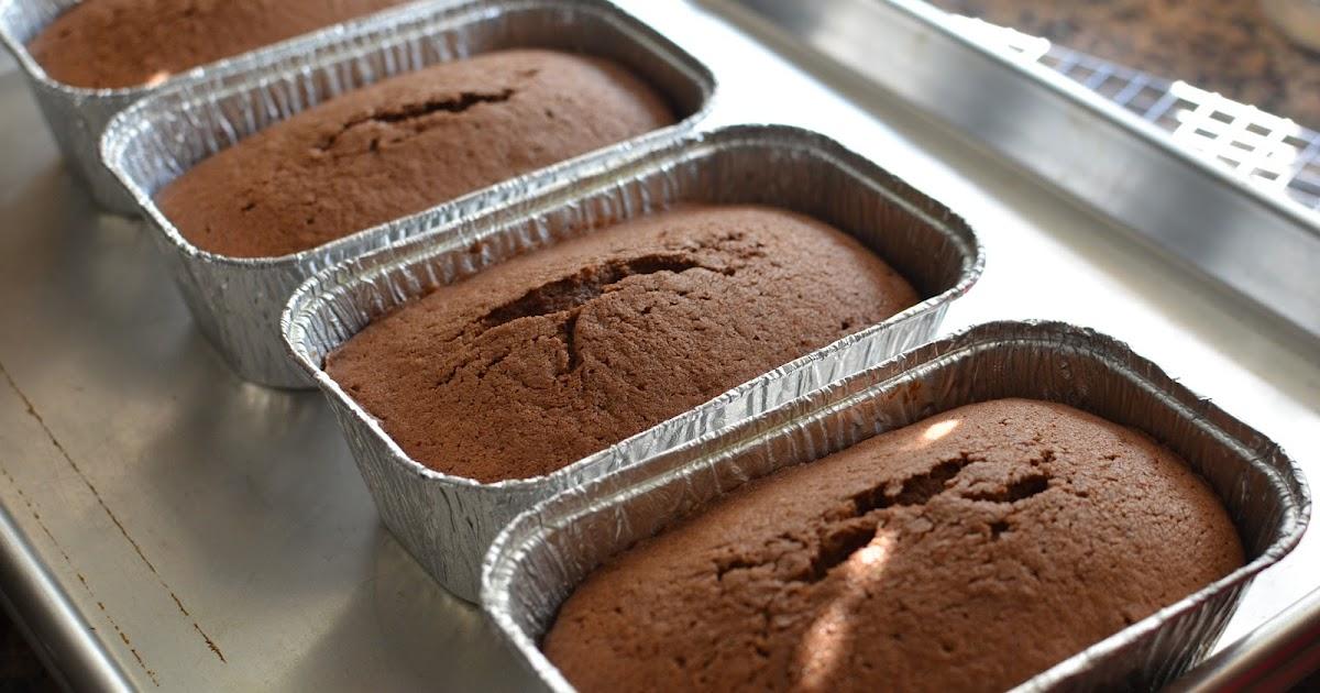 Playing with flour chocolate quatre quarts for Decoration quatre quart