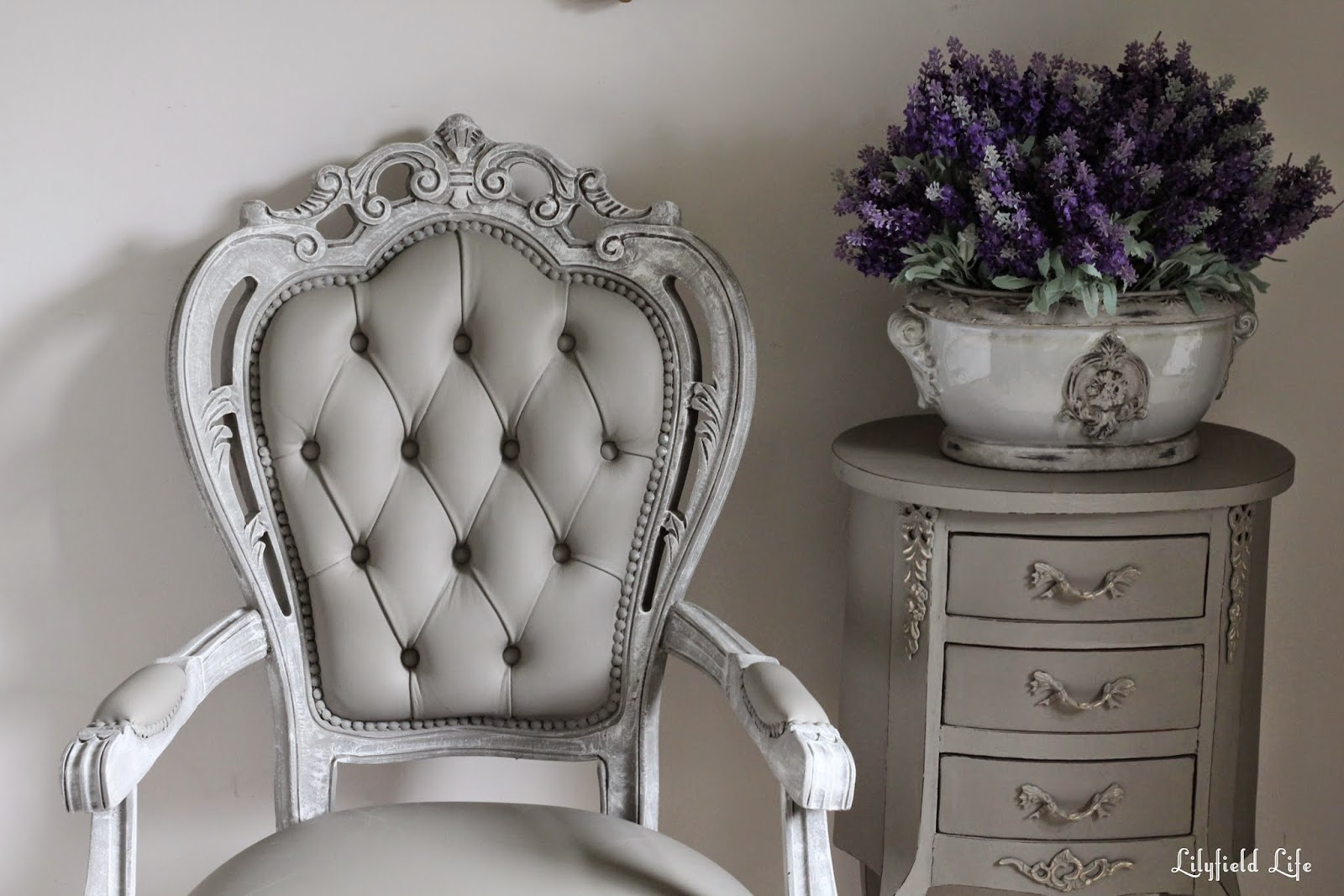 Http://www.lilyfieldlife.com/2015/02/how To Paint Vinyl Chair.html