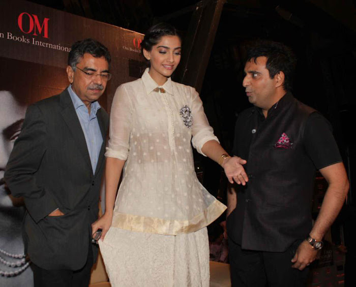 sonam at khalid mohammed book launch photo gallery