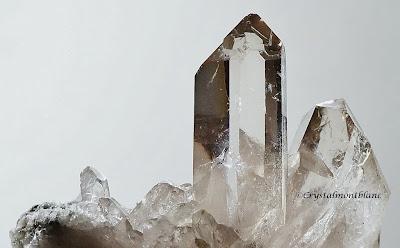 crystal de quartz trouvé par un cristallier dans les montagnes du massif du Mont-Blanc, France, photo:Philippe Dufrêne©crystalmontblanc