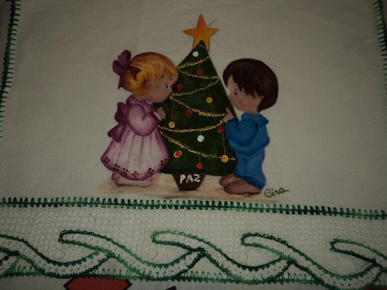 Pintura em Panos de Prato, acabamentos em Crochet