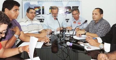 """#ablogpe2014 """"Os Blogs são na sua essência uma mídia democrática"""", reconhece Armando Monteiro"""