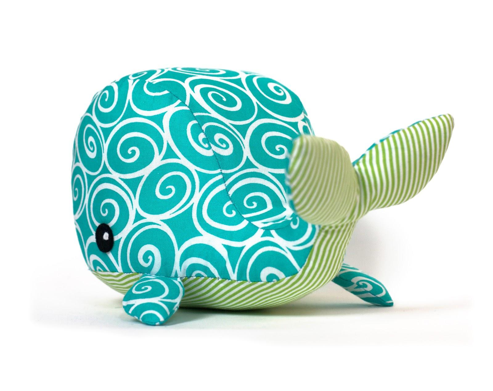 Как сшить кита из ткани 1