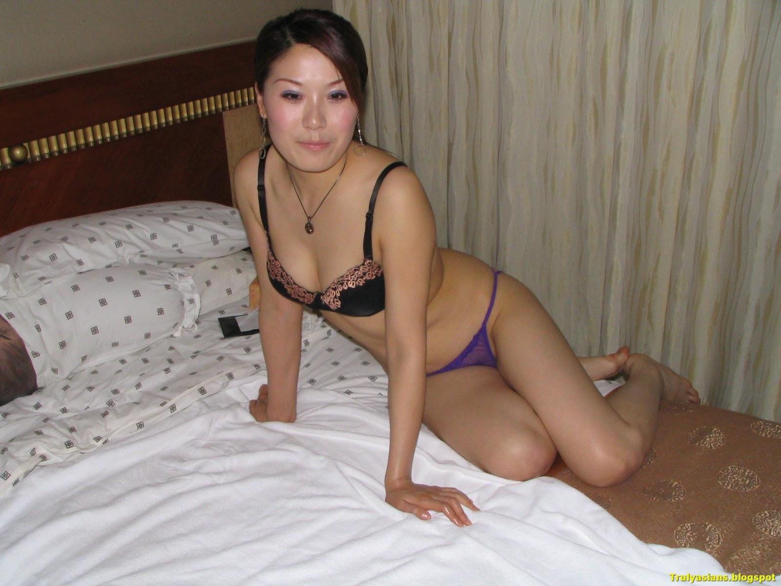 Chinese babes bikini pussy 3