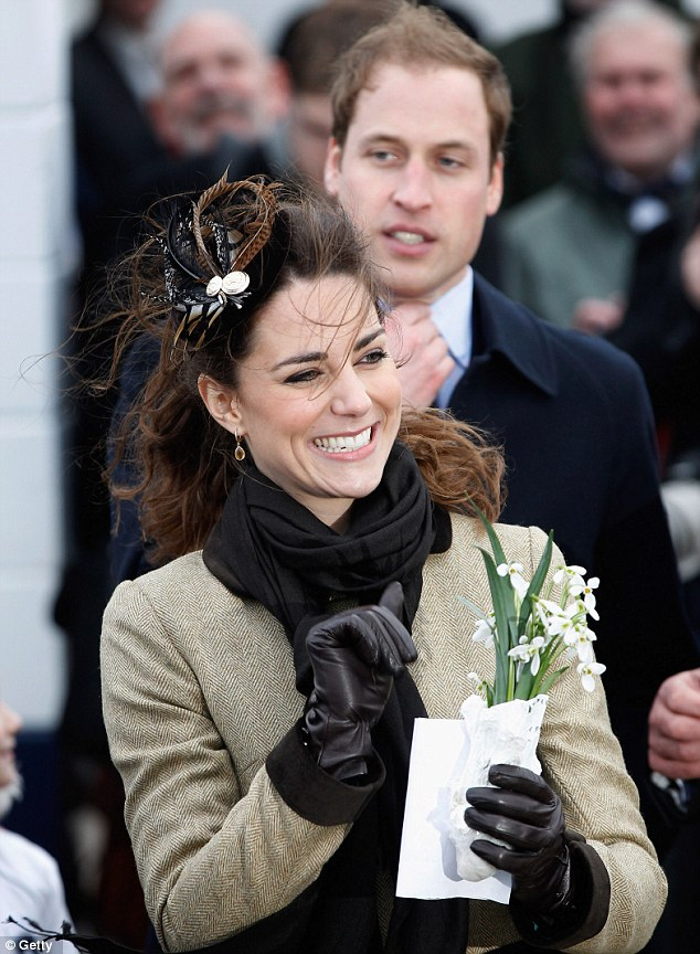 kate middleton leather gloves. Kate Middleton embarked on her