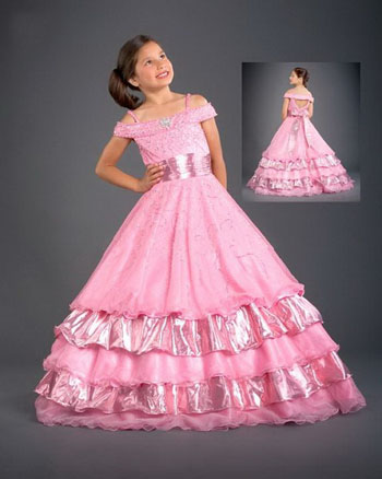 The pink sash Easter girls dresses are made of tulle and are fully lined