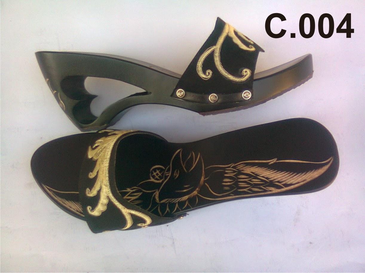 Produk Sandal Kelom Geulis Tasikmalaya